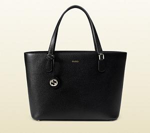 【アイムホーム】上戸彩が使っている黒色のバッグ
