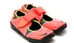 マツコの知らない世界で紹介されたadidasの足袋スニーカー