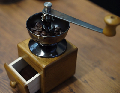 HARIO (ハリオ) 手挽き コーヒーミル スモール コーヒーグラインダー