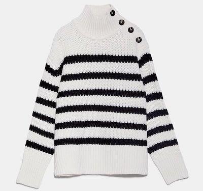 ZARA(ザラ)ハイネックセーター、コントラストボタン付き、長袖、リブ仕上げ