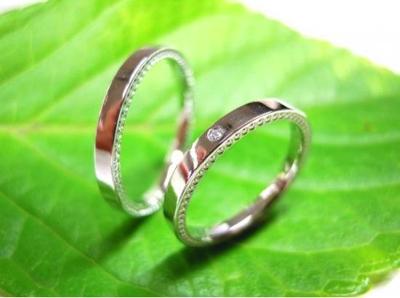鍛造の結婚指輪 ジュエリーコウキ側面にミル打ち&ダイヤ入り