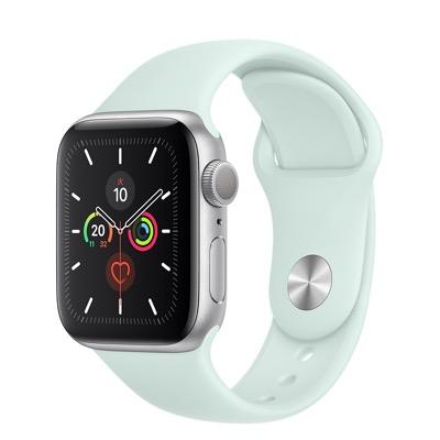 Apple Watchシルバーアルミニウムケースとスポーツバンド