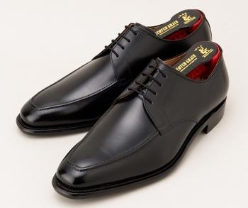 堺 雅人さん(役:半沢直樹)が着用の黒色の革靴