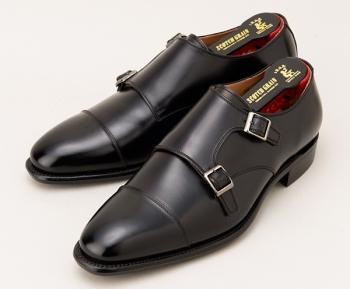 片岡愛之助さん(役:黒崎 駿一 )が着用のブラウン&黒色の革靴