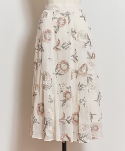 Noela(ノエラ)3D刺繍スカート