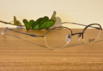 危険なビーナスで妻夫木聡さんが着用しているメガネ【全話で着用】