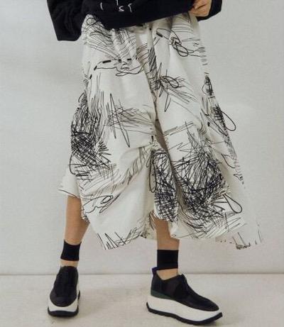 UN3D.ラインアートギャザースカート
