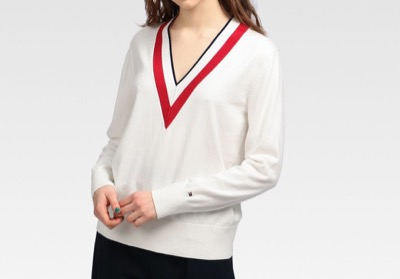 TOMMY HILFIGER グローバルストライプVネックセーター