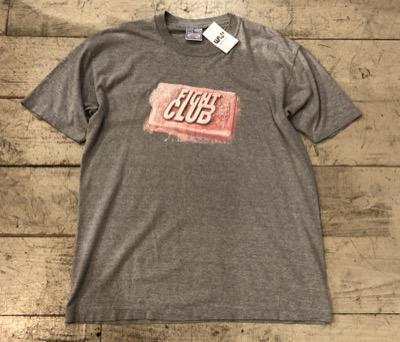 映画「ファイトクラブ」のロゴデザインのプリントTシャツ