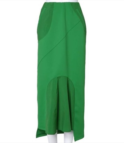 UN3D. カッティングタイトスカート